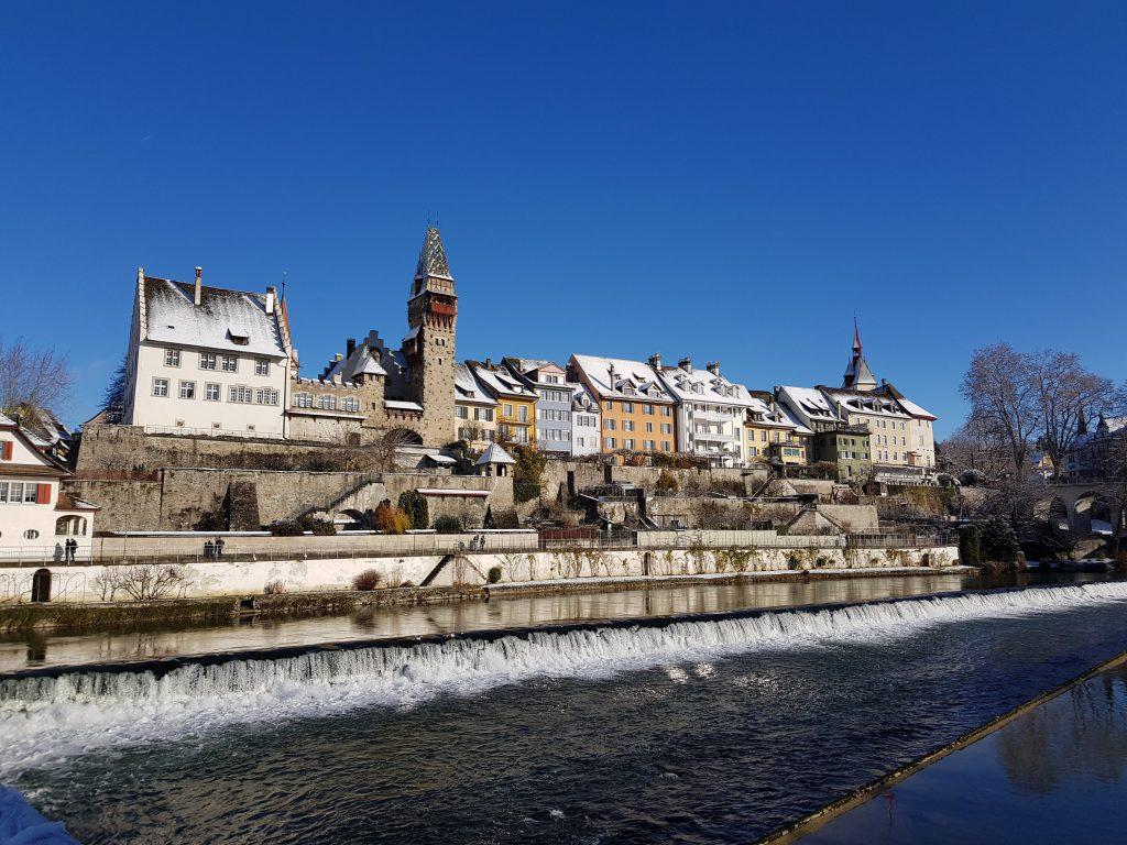 Visitare Bremgarten: il Muri-Amthof visto dal Reuss