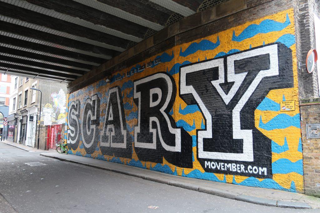 Il murales Scary di Ben Eine