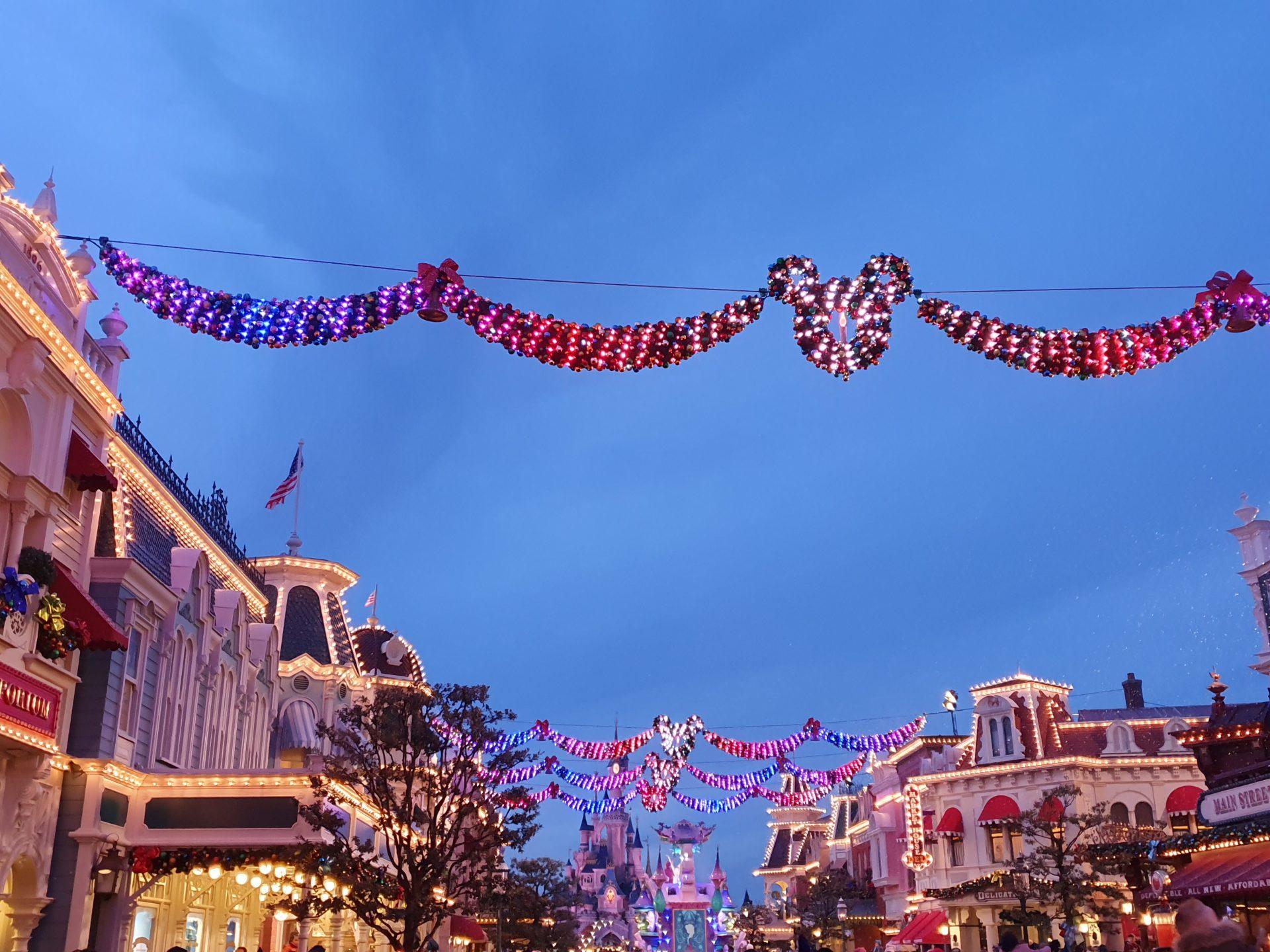 Decorazioni natalizie a Disneyland Paris