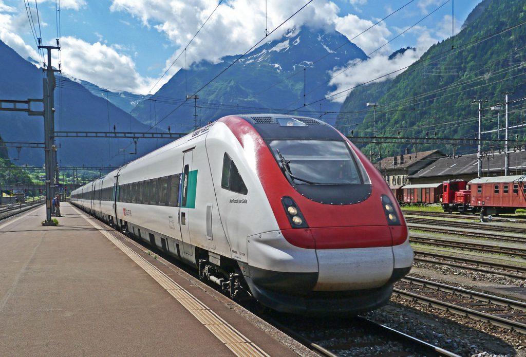 Viaggiare con il cane a bordo dei treni delle ferrovie svizzere