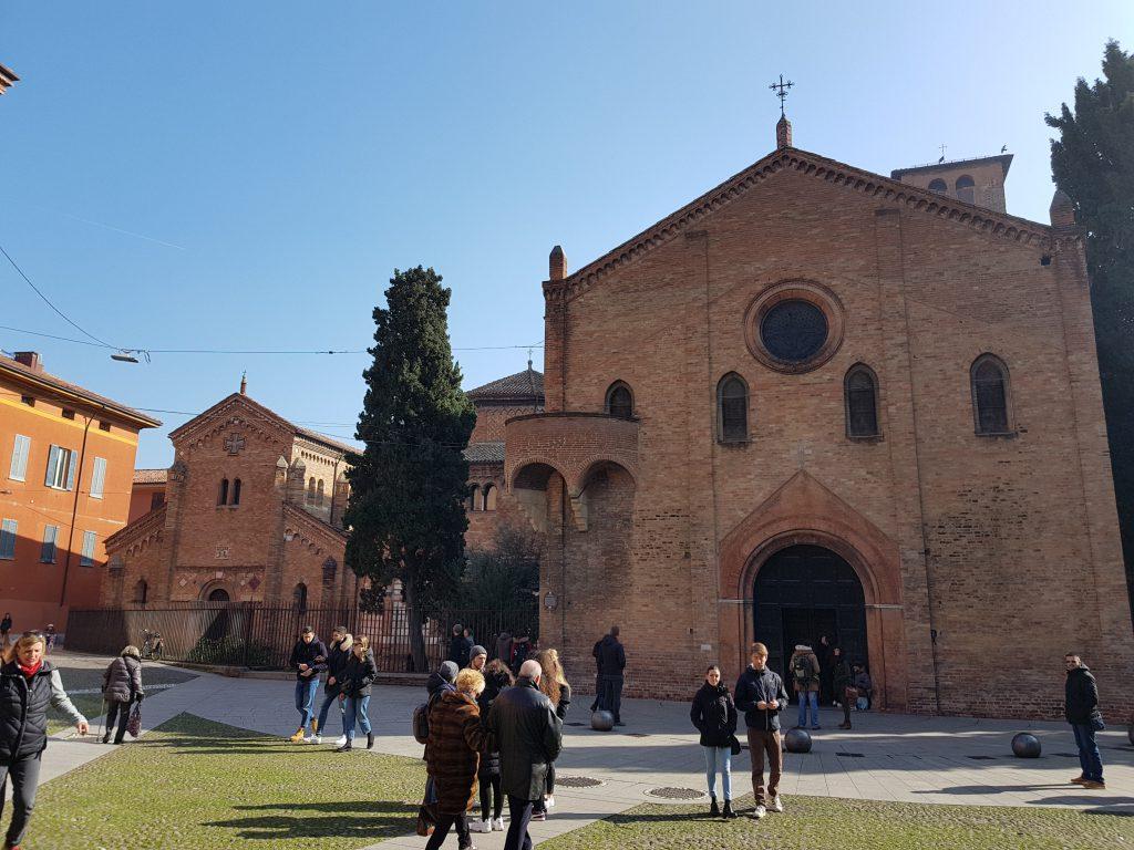 Cosa vedere a Bologna in un giorno: il complesso della Basilica di Santo Stefano