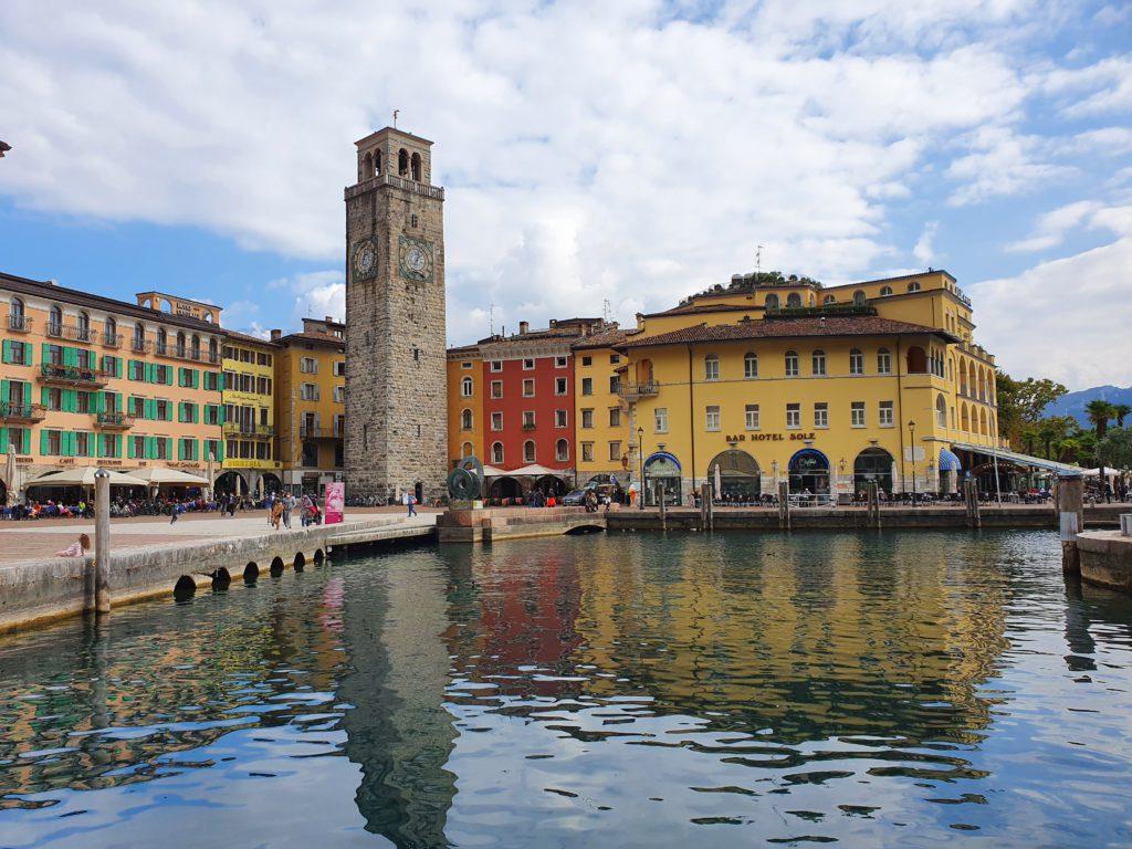 Cosa vedere a Riva del Garda: Piazza III novembre