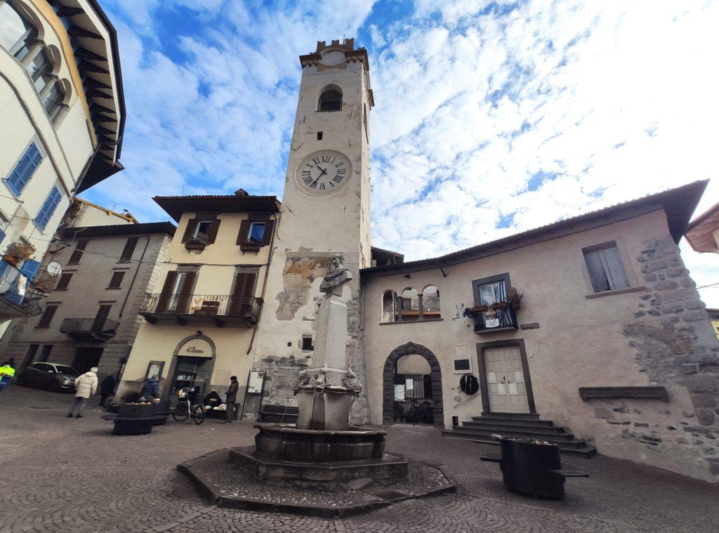 cosa vedere a Lovere: Piazza Vittorio Emanuele II