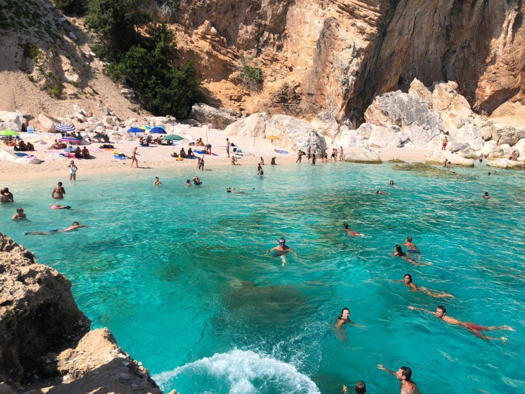Le spiagge più belle della costa est della Sardegna: Cala Mariolu
