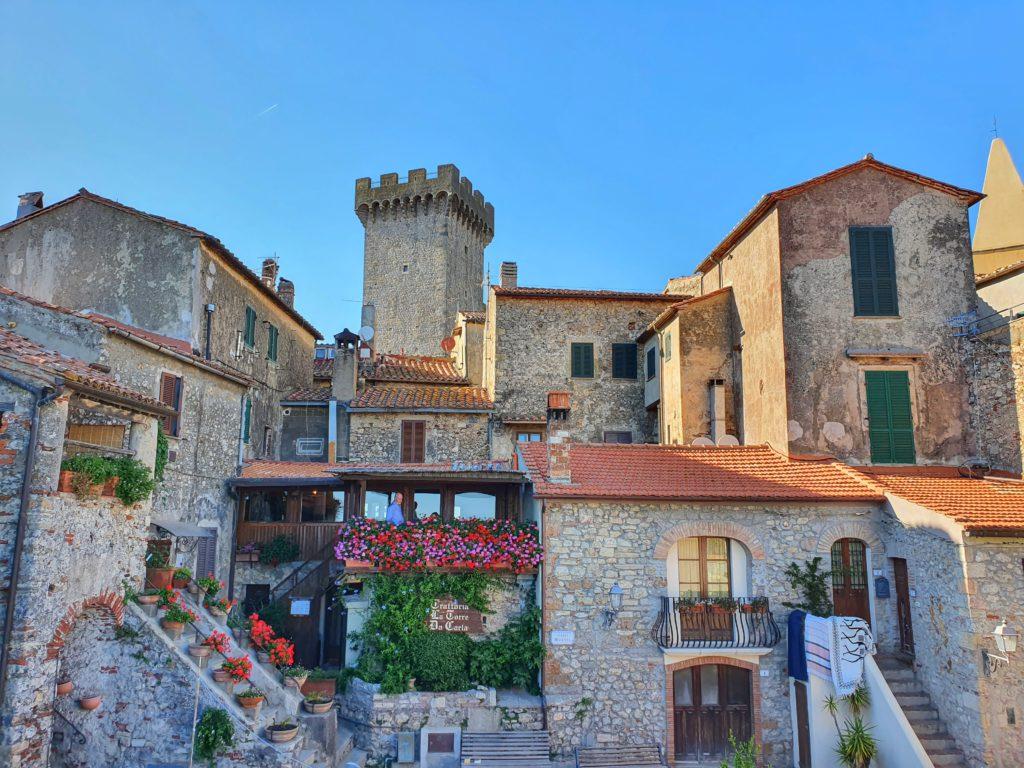 Cosa vedere in Maremma: il borgo di Capalbio