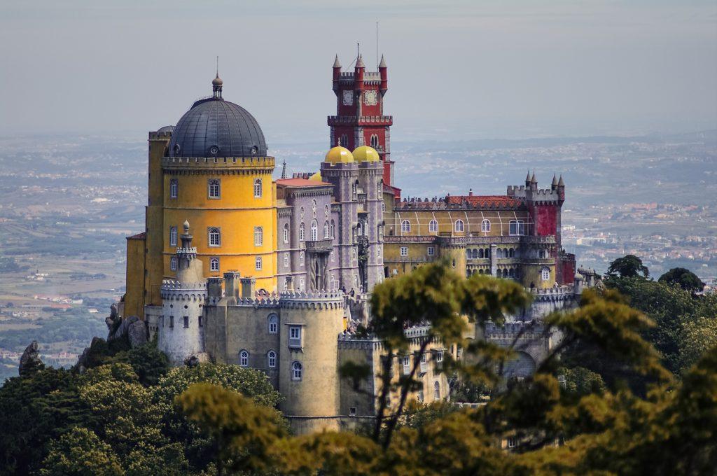 Noleggiare un'auto e visitare Sintra